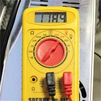 Read AC Voltage
